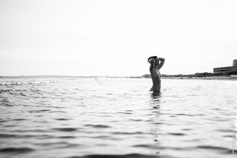 femme enceinte faisant l amour femme nue sur plage